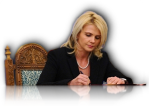 Claudia Boghicevici, fost Ministru al muncii în Guvernul Ungureanu, actualmente deputat de Arad şi coordonator al  domeniului Muncii și Protecției Sociale în Guvernul Alternativă PDL