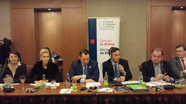 """instantaneu de la dezbaterea """"Colaborarea pe plan european între partidele populare. PDL şi CDU în dialog"""""""