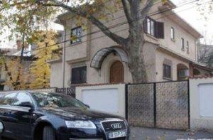 Vila în care locuia nu prea legal famiglia Geoană