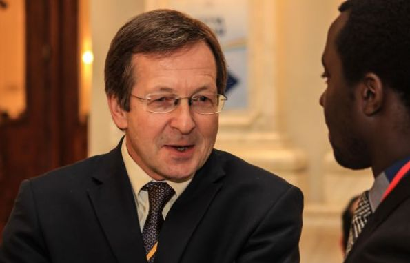 Ambasadorul Regatului Țărilor de Jos la București, Matthijs van Bonzel