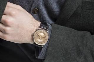 De-Bethune-DB25-Quetzalcoatl-New-Snake-Watch-Baselworld-2015-wrist